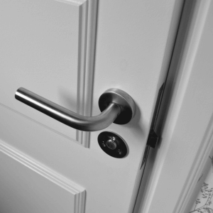 Hang en sluitwerk voor deuren