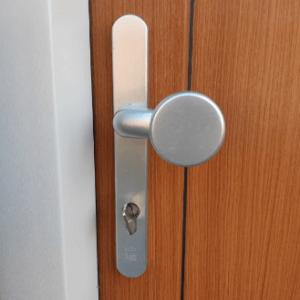 Sleutelbed. meerpuntssluitingen dubbele deuren